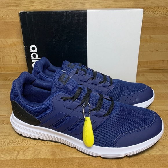adidas running shoes size 4